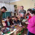 Школам і садочкам у прифронтовій зоні передано книжки