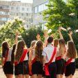 «Утриматися від будь-яких масових заходів» – МОН про  випускні у школах